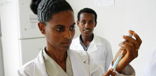 Doctors-Vaccine (2)